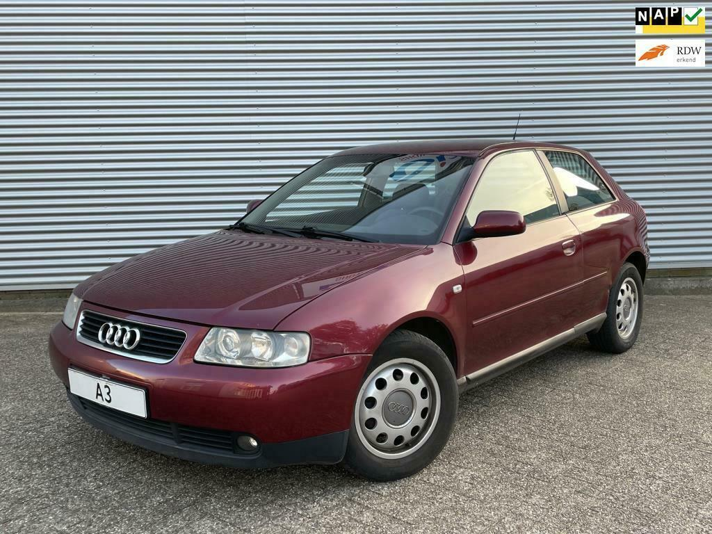 Audi A3 1.6 Attraction Sport bordeaux rood
